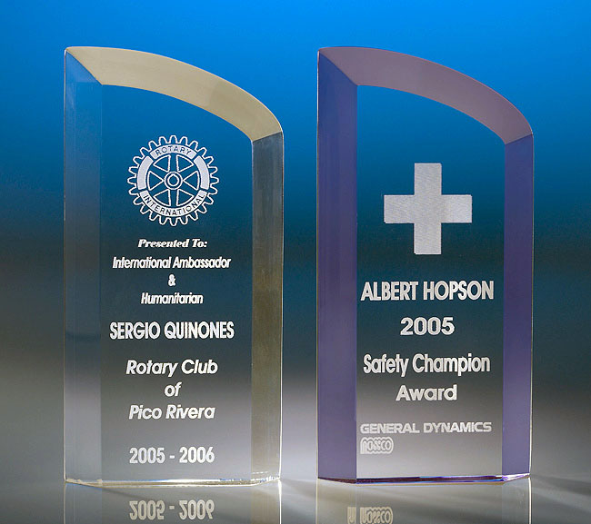 Free Standing Curve Top Acrylic Award